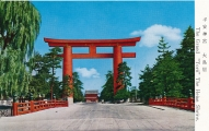 japan-kyoto-heian-shrine-grand-torii-19-2899
