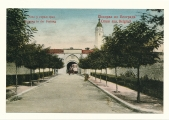serbia-belgrade-entrance-to-castle-18-2519